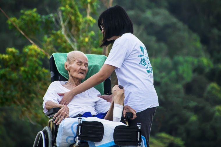 Caregiver in Dowling, Michigan | Careology Home Healthcare